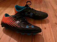 Souliers soccer crampons 5.5 K (10-13 ans)