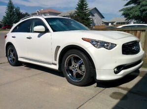 2009 Infinity FX35 AWD only 70,000 KM and Mods