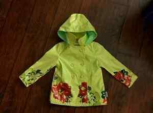Yellow Girls Raincoat - Zips up - Waterproof Size 2/3