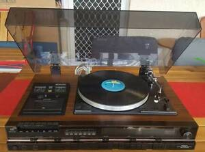 VINTAGE HITACH AMPLIFIER/TURNTABLE SYSTEM/MADE IN JAPAN
