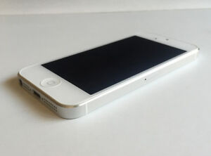 Apple iPhone 5 64GB White Bell/Virgin New Condition No Marks