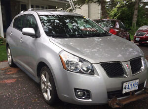 2009 Pontiac Vibe 2.4L Hatchback / Tow Vehicle / 77K KMs