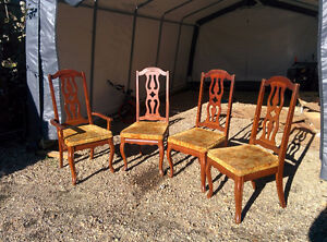 4 antique dining chairs (40+years)