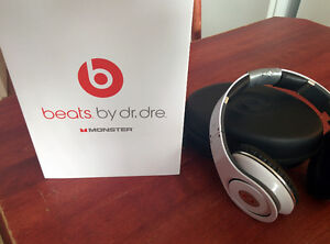 Beats Studio BLANC, fonctionne à la perfection