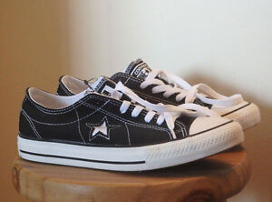 Converse One Star: Women's size 9