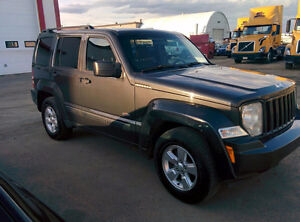2011 Jeep Liberty Sport SUV with NAVIGATION!
