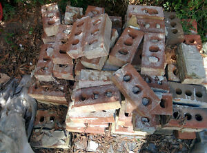 Lot of 100 or more bricks