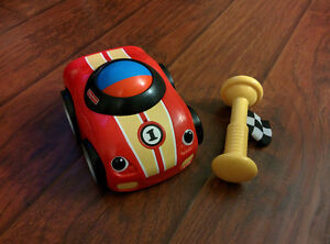Fisher Price Lil Zoomers Shake and Crawl Racer Car
