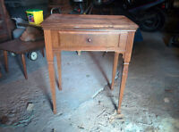 Vintage Singer Sewing Machine Table with Sewing Machine