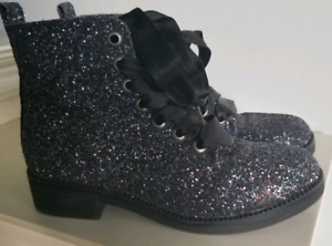 Ladies/youth sparkly boots