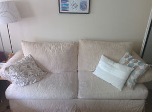 SOFA / COUCH FULL-SIZE $120