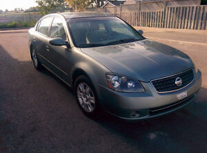 Nissan Altima Very low kms! Certified+E