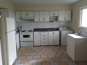 $650 2 bedroom apartment near Loyola campus Sept 1st