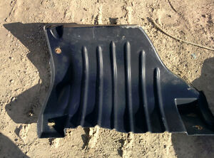 International 4300 Inner fenders, plastic