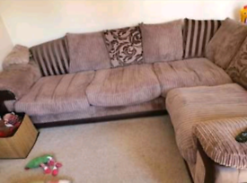 Large corner sofa *Reduced as need gone asap* ono