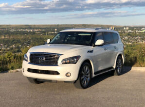 Infiniti QX56 with Technology Package – 8 passenger