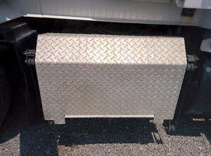 Volvo VNL Battery box