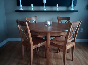IKEA Dining Table (Extendable) with 4 Chairs