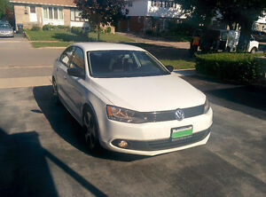 2012 Volkswagen Jetta Sedan 2.0 with set of winter tires
