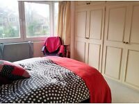 Headington large attractive double room available 1/4/17 to a single professional or student