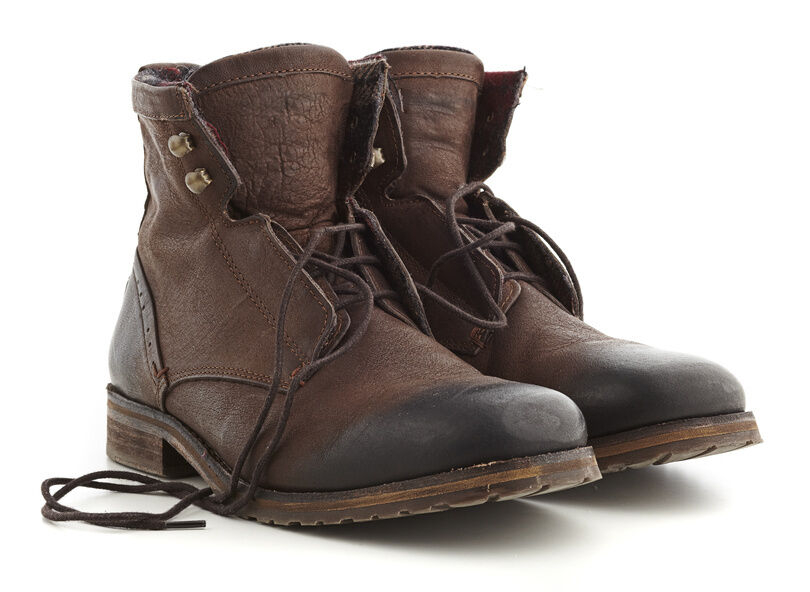How to Buy Used Men's Boots