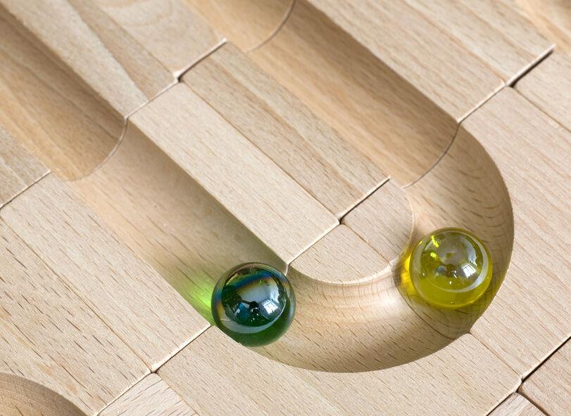 Murmelbahn Holz Selber Bauen Anleitung ~ Komplexe Murmelbahnen als weltweite Spielvariante mit klassischen