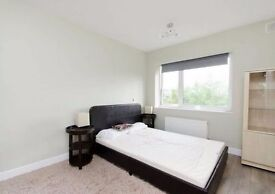 Double Room to Rent in Clapham - Some Bills inc.