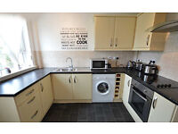 Immaculate 2 bed flat to rent in Hamilton. Good transport links to Glasgow, East Kilbride etc