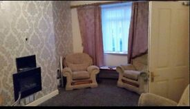 Large and quiet double room available now in city centre