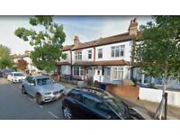 2 bedroom house to let in Ealing