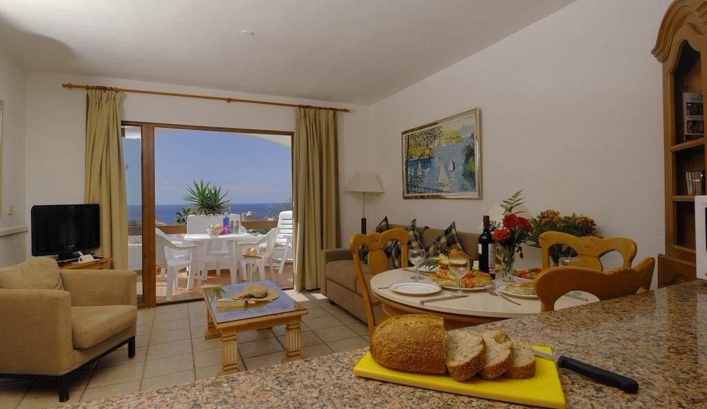4* Self catering holiday apartment in Los Cristianos ...