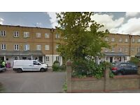 4 BEDROOM HOUSE NEXT TO VICTORIA PARK WITH PRIVATE TERRACE NEXT TO THE CANAL AVAILABLE NOW HACKNEY