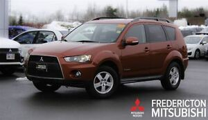 2010 Mitsubishi Outlander LS! V6! 4X4! 7 SEATER! HEATED SEATS!