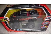 Remote Controlled Land Rover Age 6+
