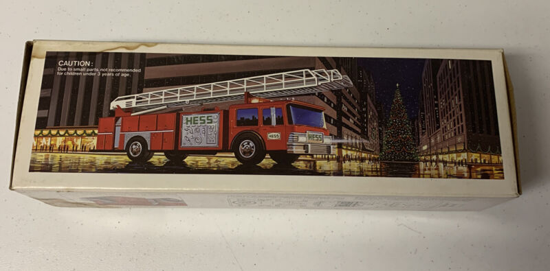 1986 HESS TOY FIRE TRUCK BANK NEW
