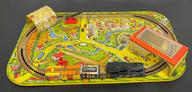 Marx Metal Wind Up Tin Lithograph Train Set and Layout 1950