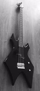 BC Rich Bass Guitar w/ Amp and Accessories Wallaroo Mines Copper Coast Preview