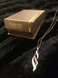 NEARLY NEW F.Hinds 9crt gold 'Flame' Necklace
