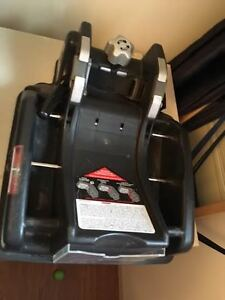 Peg Perego Carseat and Two Vehicle Bases