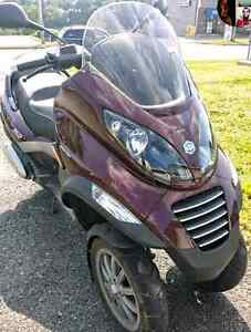 2007 Piaggio mp3 vespa 3 wheel scooter 250cc