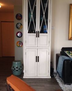 Solid wood white cabinet with glass doors