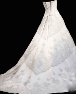 WEDDING DRESS FOR SALE - CHANTILLY LACE