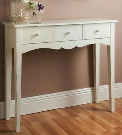 White side table shabby chic style