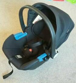 Silver Cross baby carrier / car seat
