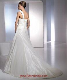 San Patrick Enero wedding dress