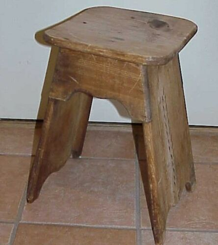 "PRIMITIVE ANTIQUE 19"" FARMHOUSE HANDCRAFTED HAND CARVED FERNS WOODEN STOOL SEAT"