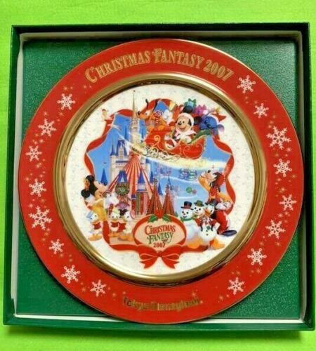 Disney Tokyo Disneyland Japan Christmas 2007 Picture Plate Mickey Mouse Limited