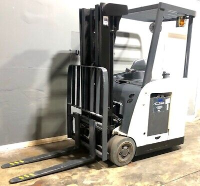 2009 Rc5500 Crown Narrow Aisle Electric Forklift 3000 Lb Cap With 84190 H