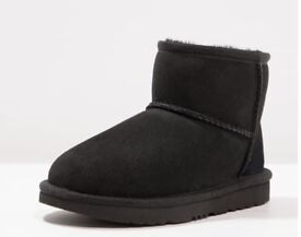Ugg Australia Sheepskin boots girls 13