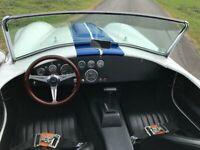 Miniature 11 Voiture Américaine de collection Ford AC Cobra replica 1966